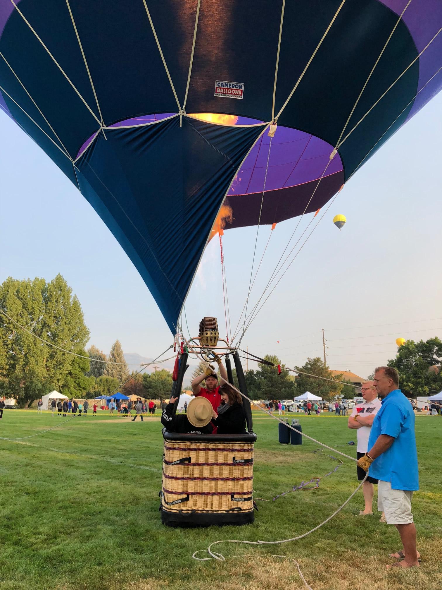 RE/MAX free tethered hot air balloon flight ride